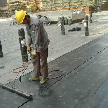 青海1.5厚CPS反应粘结型高分子湿铺防水卷材多少钱