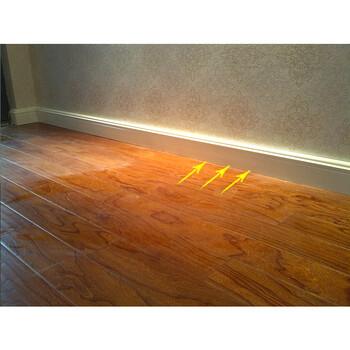 楼上装修安装这种踢脚线,不仅高档大气,还可以供暖,真是涨了见识