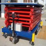 供应博威电动升降平台电动自行升降机升高10米四轮自行升降机图片