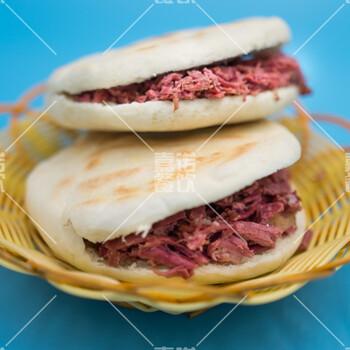 西安清真小吃腊牛肉夹馍培训,肉夹馍胡辣汤培训图片1