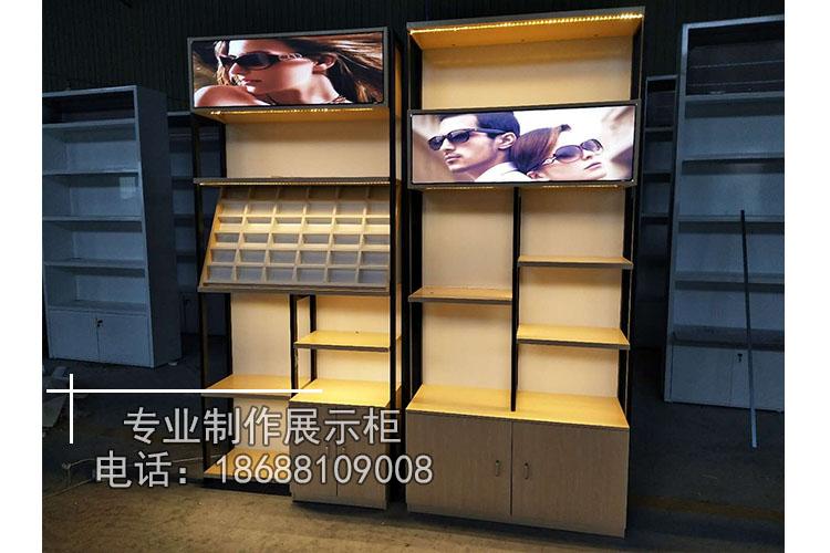 兴安盟眼镜展示柜玻璃柜整店设计