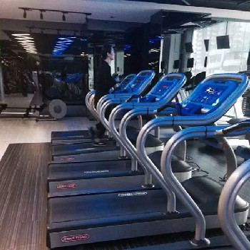北京中健體育銷售星馳商用跑步機,健身房設備