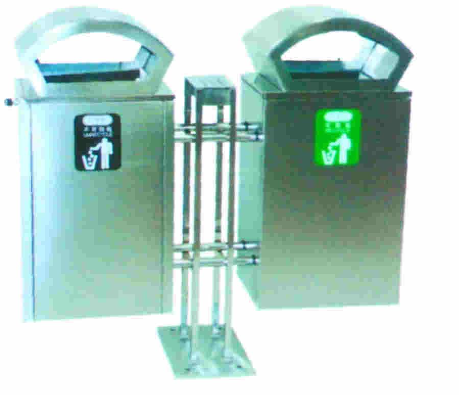 1材质:垃圾桶整体都用优质不锈钢板