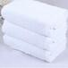 厂家供应酒店宾馆洗浴一次性白毛巾吸水纯棉毛巾50克足浴白毛巾