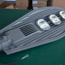 50W100W120W150W集成款LED路灯晶元芯片路灯高亮高寿命道路灯图片