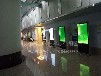 55寸立式电子宣传屏42寸广告机为患者送便利