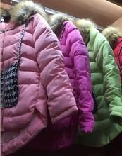 四川哪里有最便宜的女士棉衣羽绒服批发厂家亏本清货大甩卖