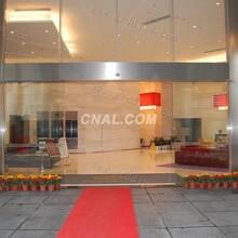 安装中空玻璃,安装隔断墙,北京玉堂玻璃门厂家图片