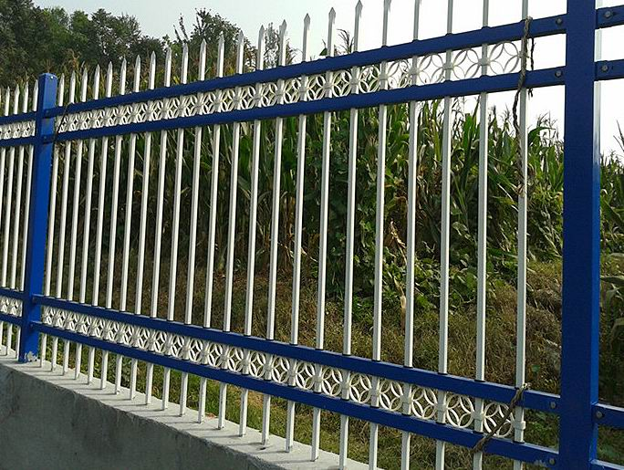 工程围墙图片