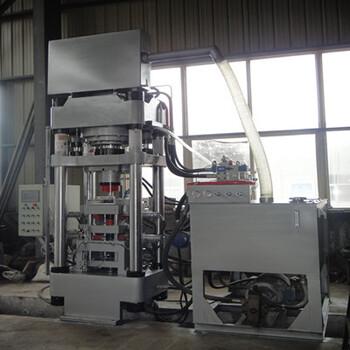 粉末冶金成型机