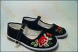 哪里?#34892;?#33457;布鞋厂家传统绣花鞋批发