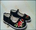 哪里有绣花布鞋厂家传统绣花鞋批发