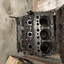 奔驰缸体OM501奔驰泵车发动机配件图片