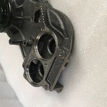 奔驰发动机水泵散热器系统配件图片