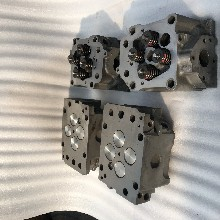 奔驰发动机缸盖总成OM501LA图片