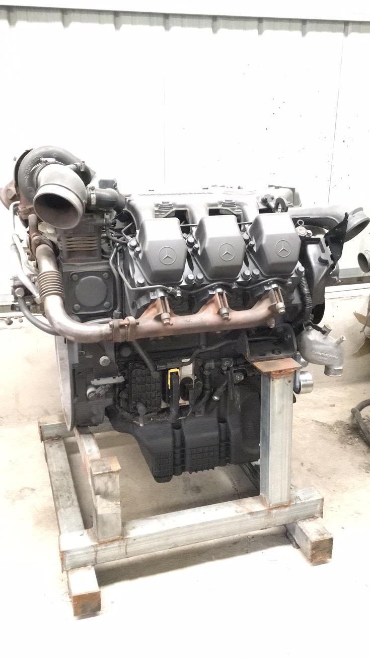 奔驰卡车配件4141奔驰泵车发动机
