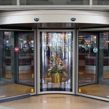 旋转门酒店弧形转门三翼自动旋转门两翼旋转门图片