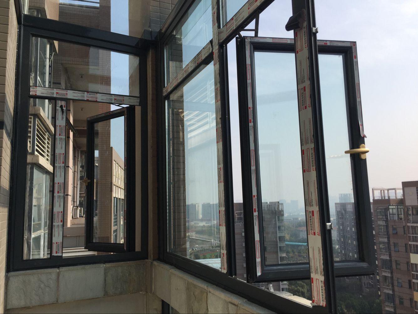无框阳台窗 封阳台 上海无框窗 景锐门窗 肯尼亚