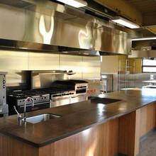 商用厨房设备中保温展示柜的特点