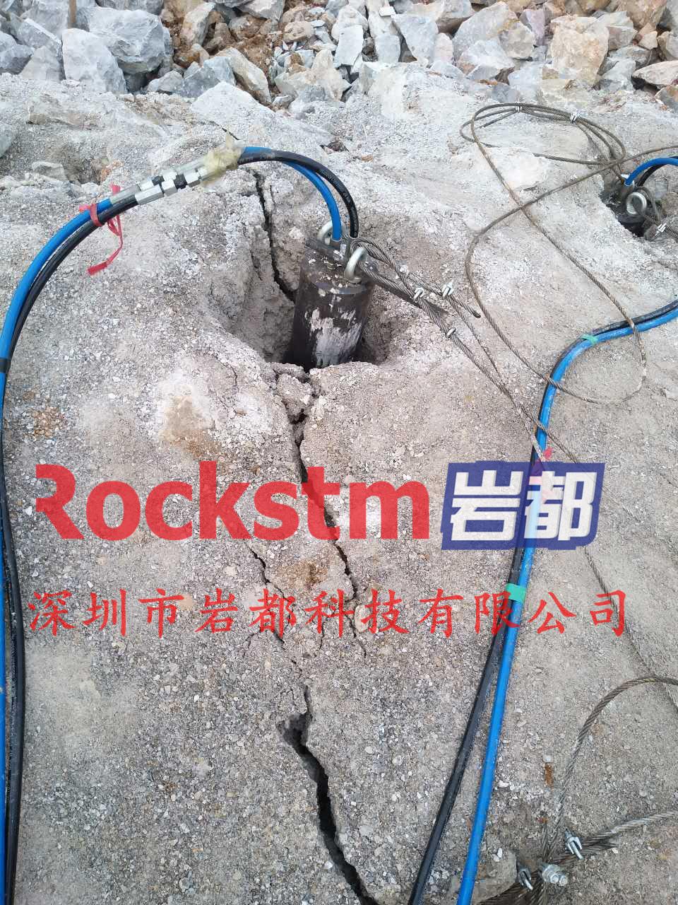 有没有不放炮破石头设备大笨象劈裂机岩都胀裂机液压劈石机,撑石头设备,裂石头机器