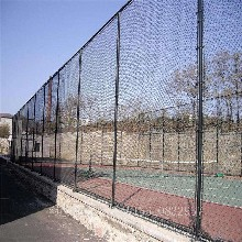 大庆球场菱形网,金属网栏栅,迅鹰球场围网厂家图片