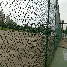 球场围网A防腐蚀球场围网定做A新乡市球场围网施工图片