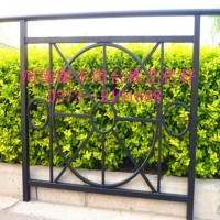 河南新乡锌钢阳台护栏配件盘锦锌钢阳台护栏护栏板厂家图片