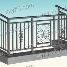 阿勒泰锦银丰阳台栏杆室内铁艺栏杆施工图片