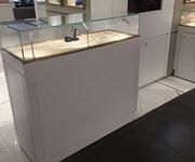 高档木质珠宝展柜,广州高档珠宝展示柜供应商图片