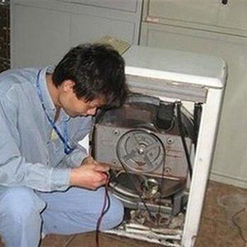 海尔洗衣机维修图片