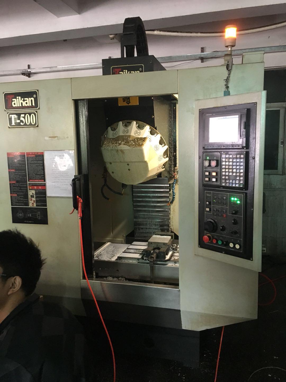 深圳高价回收二手加工中心、、磨床、冲床、火花机