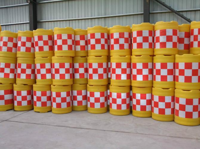 上海防撞桶厂家直销