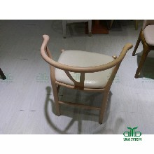 香港餐厅实木餐椅水曲柳材质款式新颖坐感舒适价格优惠