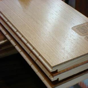 供青海实木复合地板和西宁三层复合地板哪家好图片