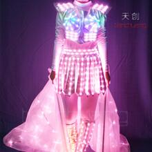 全彩LED发光舞蹈长裙夜光翅膀晚会荧光演出裙子舞台LED表演衣服图片