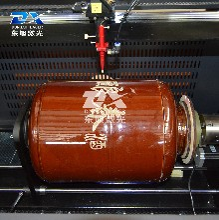 東旭969升級款陶瓷酒瓶酒壇激光雕刻機酒包裝雕刻機圖片