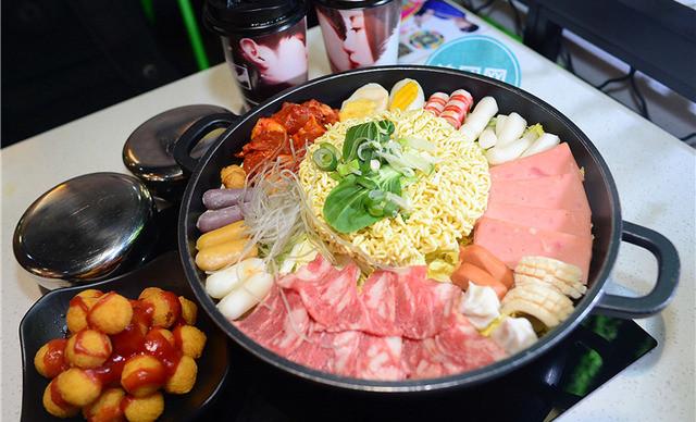 韩式年糕火锅加盟特色韩式小吃店韩式特色炸鸡