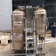 太原精酿啤酒设备精酿鲜啤酒设备啤酒设备厂家图片
