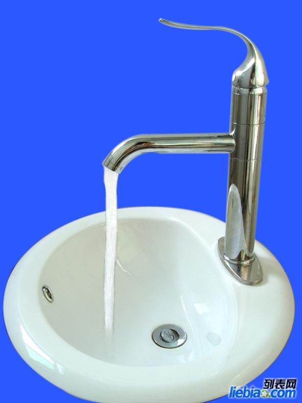 河东区维修水龙头断丝安装马桶洁具安装维修上下水管
