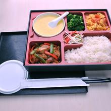 龙岗大运中心附近有好吃的快餐盒饭?