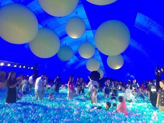 百万海洋球嘉年华鲸鱼岛乐园