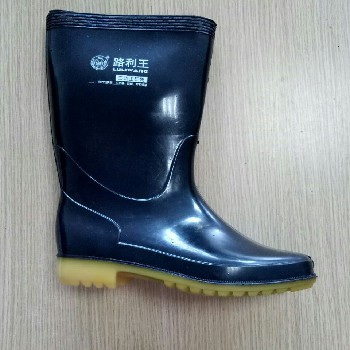 东莞路利王雨靴惠州三防雨鞋南海防滑雨鞋鼎安低价出售