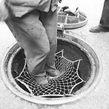 福州市政污水窨井安全网,优选冀虹窨井防坠安全网图片