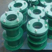 天地間專業生產防水套管和各種管件的廠家圖片