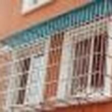 通州區專業安裝鐵藝樓梯陽光棚鐵藝護欄防護網防盜門雨棚圖片