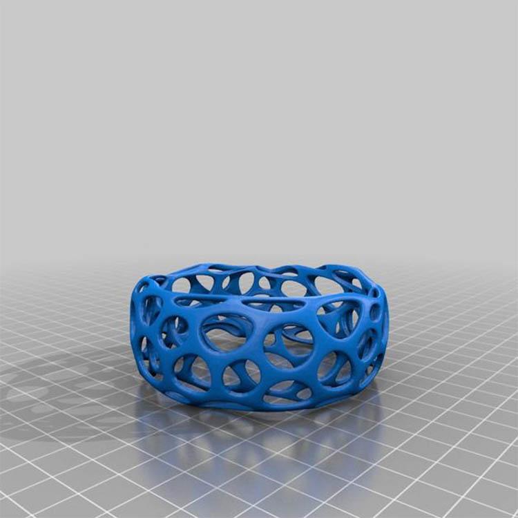 东莞市富品科技有限公司主营3D打印定制业务。我司可承接个性化礼品摆件、医疗器械、工业配件、家电外壳、动漫玩具等手板模型模具的设计和加工制作,RP、CNC快速成型高效精确打样,配备SLA、SLS、ABS等多种塑胶材料供您选择。我司目前发展不断壮大,目前厂里配置了6台先进的3D打印机, 专设了一个10人小组的专业制图部门。我们能从专业的角度有效的保证您的订单快速精准完成。不得不说的是我司发展将近10年以来,看尽行业内里的起起落落,我们的与客户共赢的企业初心,诚信的服务理念一直没有改变!我们感恩老客户的支持与提