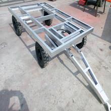 野外露营车房车底盘移动式板房小拖车图片