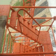 供应安全爬梯梯笼香蕉式安全爬梯框架式爬梯Z型马道脚手架图片