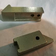 宁波鑫伟邦公司供应粉末冶不锈钢锁芯锁舌锁具配件图片