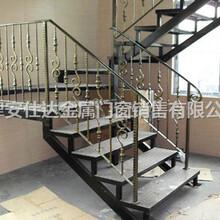 天津河北區定制鐵藝圍欄廠家安裝鐵藝樓梯鐵藝防護欄圖片